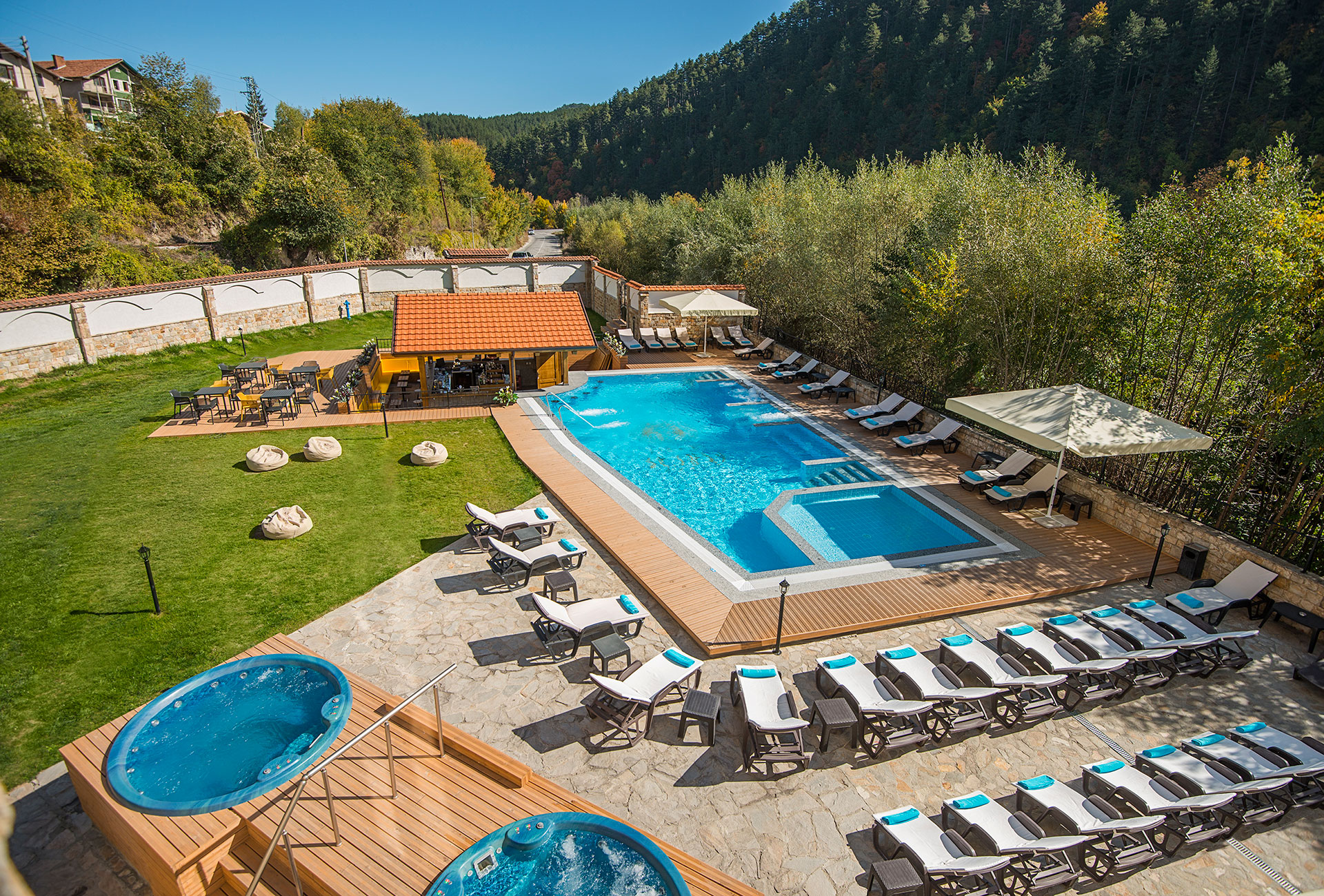 New acquisition-unique aquatonic outdoor pool with built-in barin Balneo Hotel Saint Spas Velingrad